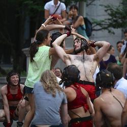 En 2014, la participation du public prend une...